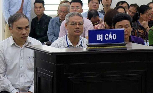 Các bị cáo tại tòa sơ thẩm.