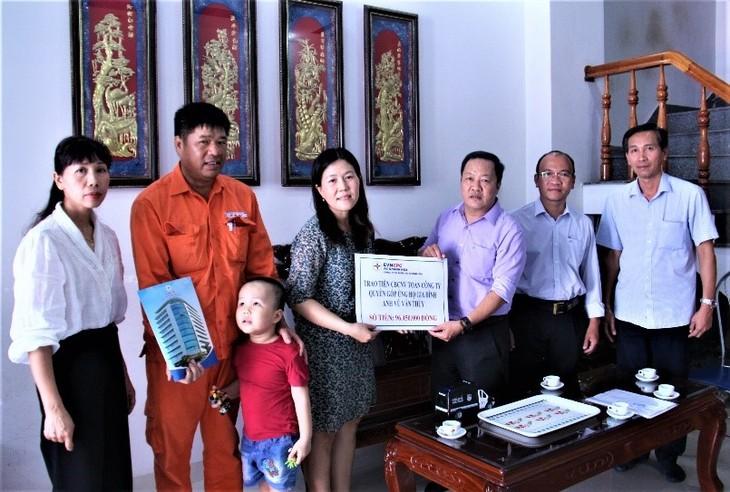 PC Khánh Hòa vận động quyên góp ủng hộ cho gia đình người lao động có con nhỏ bị bệnh hiểm nghèo