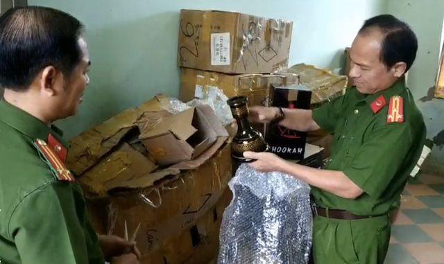 Công an phát hiện hàng ngàn hộp shisha không rõ nguồn gốc tại Đà Nẵng