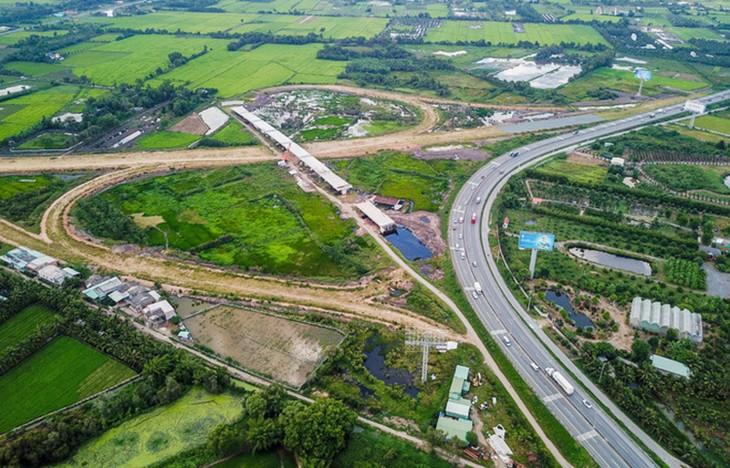Cao tốc Trung Lương - Mỹ Thuận hiện đạt 27% tổng khối lượng.