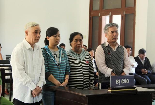 Bốn bị cáo liên quan đến vụ án tham ô tài sản xảy ra tại TAND tỉnh Phú Yên