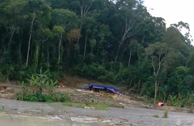 Một tụ điểm khai thác khoáng sản trái phép tại xã Quảng Sơn