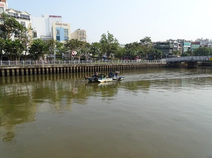 Kênh Nhiêu Lộc - Thị Nghè sẽ được nạo vét nhằm cải thiện môi trường, hạn chế tình trạng cá chết hàng loạt.