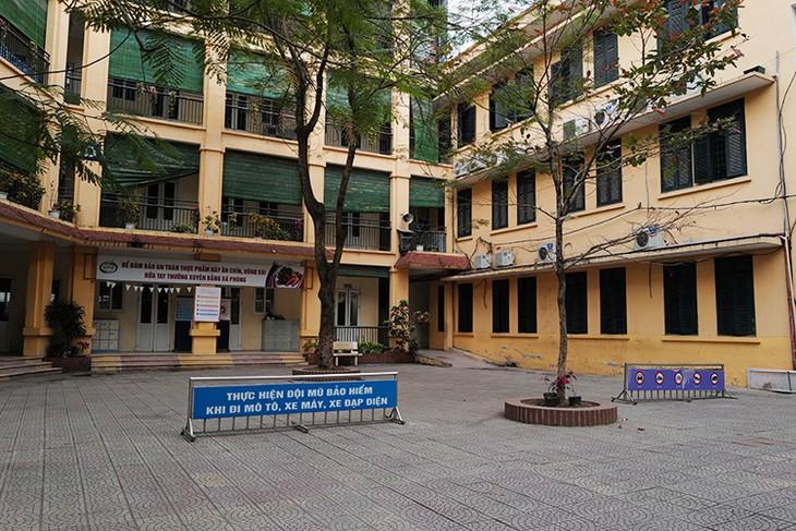 Trường Tiểu học Phan Đình Giót, Hà Nội, vắng vẻ vì học sinh nghỉ phòng Covid-19.