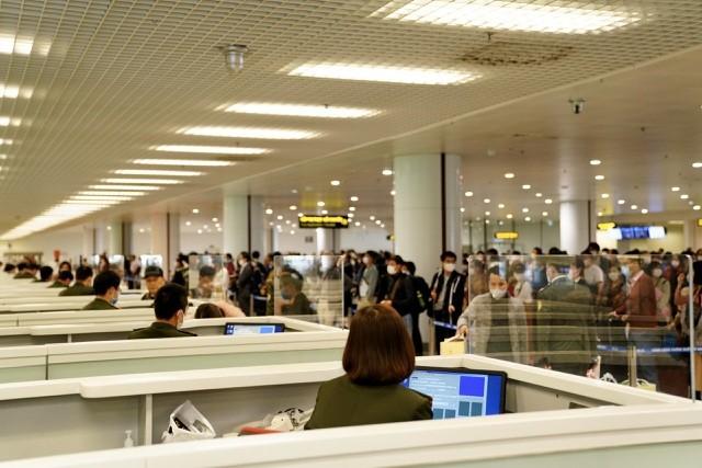 Khu vực kiểm tra xuất/nhập cảnh tại Cảng hàng không quốc tế Nội Bài
