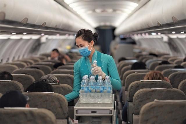 Đã có 2 tiếp viên Vietnam Airlines phục vụ trên những chuyến bay tới vùng dịch bị nhiễm Covid-19