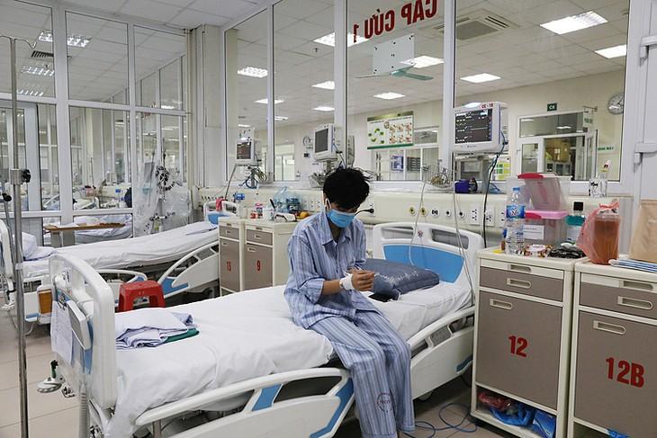 Bệnh nhân Covid-19 điều trị tại Bệnh viện Bệnh Nhiệt đới Trung ương cơ sở Đông Anh, Hà Nội, ngày 25/3.