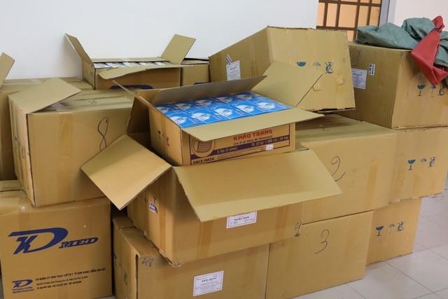 Lượng khẩu trang y tế bị Công an xã Long Thuận bắt giữ