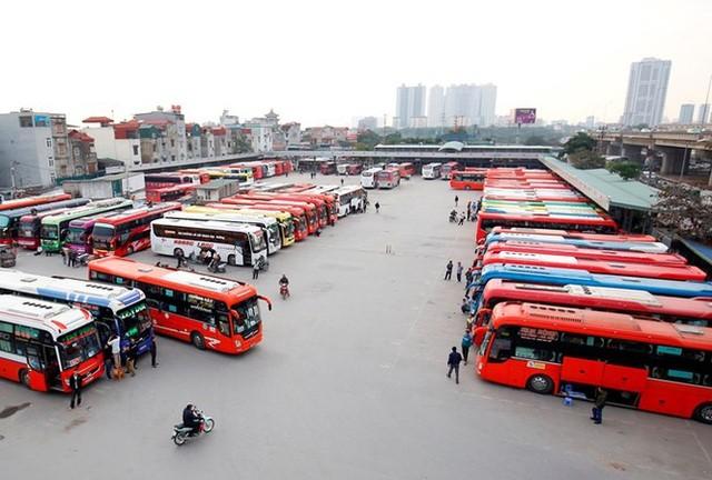 Hoạt động kinh doanh vận tải hành khách dừng trên cả nước (ảnh: Tiền Phong)