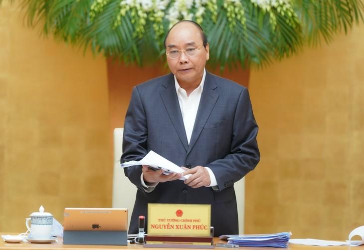 Thủ tướng phát biểu kết luận phiên họp Chính phủ thường kỳ tháng 3/2020. Ảnh: VGP