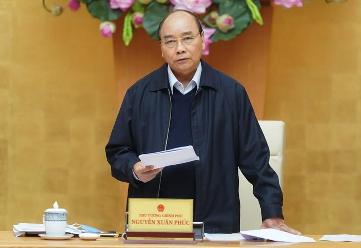 Thủ tướng Nguyễn Xuân Phúc yêu cầu việc chi trả hỗ trợ phải thuận lợi cho người lao động, người gặp khó khăn. Ảnh: VGP