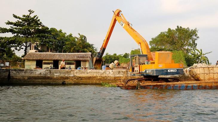 Dự án Nạo vét trục thoát nước rạch Xóm Củi, Quận 8, huyện Bình Chánh, huyện Nhà Bè (TP.HCM) có phạm vi rộng, ảnh hưởng đến nhiều hộ dân. Ảnh: Tiên Giang