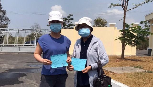 Hai trường hợp được công bố khỏi bệnh tại Bệnh viện Điều trị COVID-19 Cần Giờ.