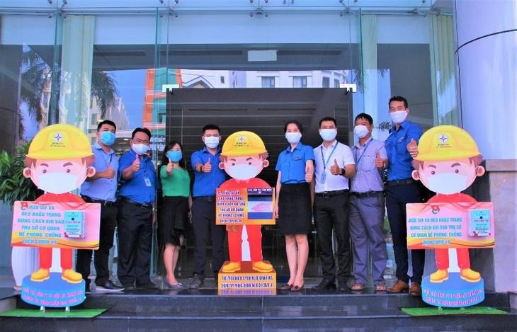 Tuổi trẻ PC Khánh Hòa thiết kế, lắp đặt thiết bị rửa tay sát khuẩn tự động