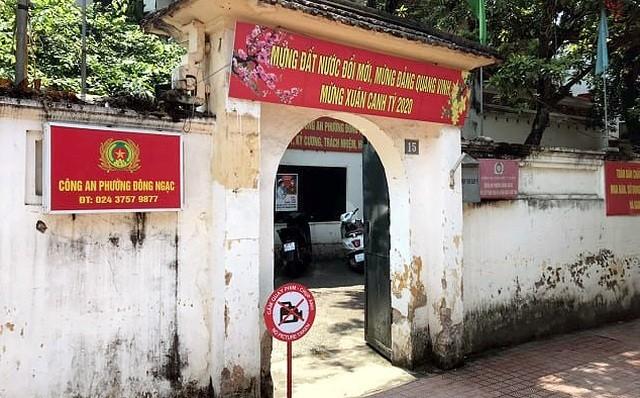 Trụ sở Công an phường Đông Ngạc được gỡ bỏ cách ly y tế.