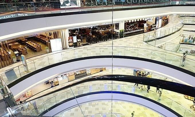 Một trung tâm mua sắm tại quận 10, TP HCM thưa vắng người từ giữa tháng 2/2020.