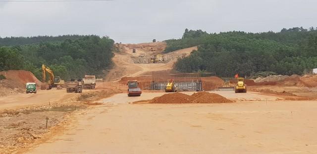 Tỉnh Quảng Trị đã cơ bản hoàn thành việc bàn giao mặt bằng để thi công cao tốc Cam Lộ - La Sơn.