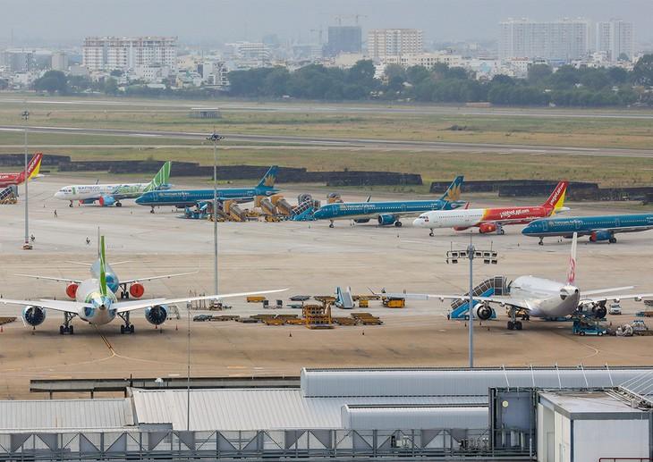 Máy bay không hoạt động tại sân bay Tân Sơn Nhất trong thời gian giãn cách xã hội.