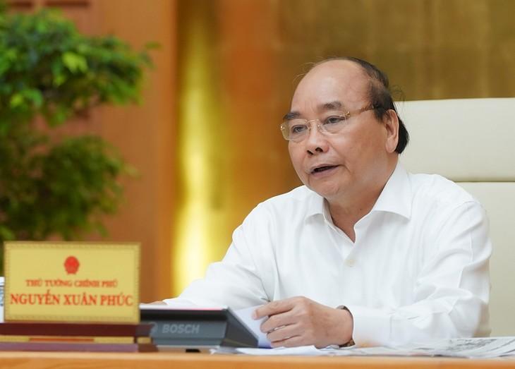 Thủ tướng Nguyễn Xuân Phúc kết luận cuộc họp Thường trực chính phủ chiều 22/4. Ảnh: VGP.