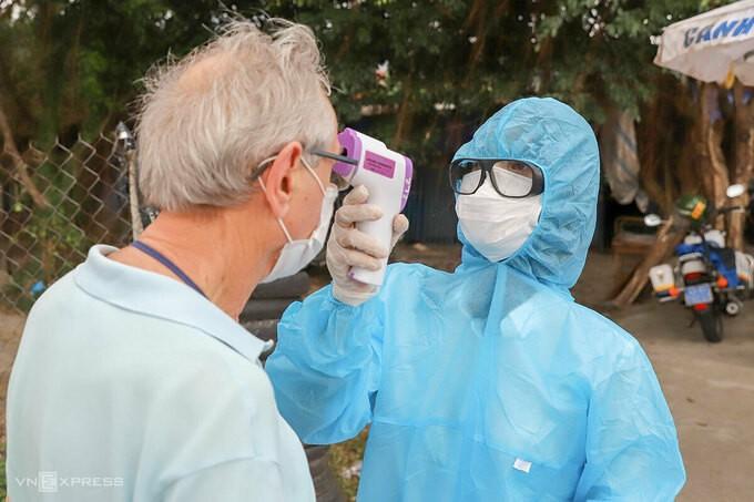 Nhân viên y tế sẽ không kiểm soát, đo thân nhiệt người đến Đà Nẵng bằng đường bộ