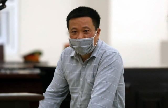 Cựu Chủ tịch Oceanbank Hà Văn Thắm tại tòa sơ thẩm.
