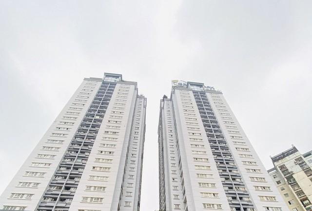 Nhà ở công vụ CT1-CT2 Khu đô thị Yên Hòa, Cầu Giấy, Hà Nội, nơi nhiều cựu cán bộ chậm trả nhà với nhiều lý do khác nhau.