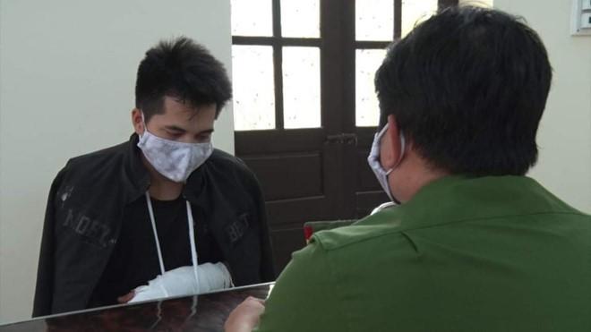 Nguyễn Văn Tác tại cơ quan công an. Ảnh: Công an cung cấp