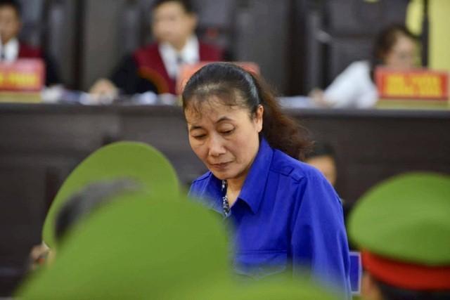 Bị can Nguyễn Thị Hồng Nga tại phiên sơ thẩm lần đầu, tháng 10/2019