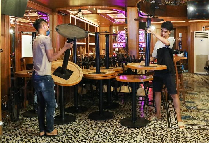 Quán bar ở phố Tây Bùi Viện phải đóng cửa từ ngày 15/3 để phòng chống Covid-19.