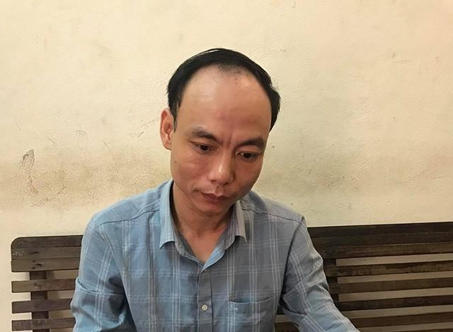 """Đối tượng Nguyễn Kiên Trung bị Công an TP Vinh bắt giữ khi đang lừa nhận tiền """"chạy án"""" từ người nhà một bị can."""