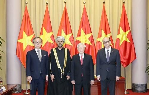 Tổng Bí thư, Chủ tịch nước Nguyễn Phú Trọng và các Đại sứ - Ảnh: TTXVN