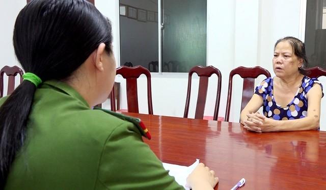Bà Phan Thị Tuyết Nga tại cơ quan điều tra