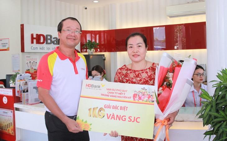 Khách hàng Huỳnh Thị Thu Hạnh đã nối dài danh sách tỷ phú của HDBank