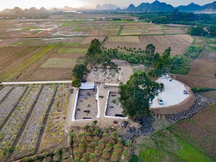 Toàn cảnh bãi cọc Cao Quỳ, xã Liên Khê, huyện Thủy Nguyên được khai quật cuối năm 2019