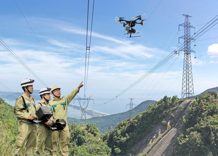 Kiểm tra đường dây 500 kV bằng thiết bị bay không người lái