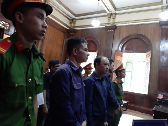 Bị cáo Phúc và bị cáo Em đang bị tạm giam tại trại giam T16 ( Hà Nội).