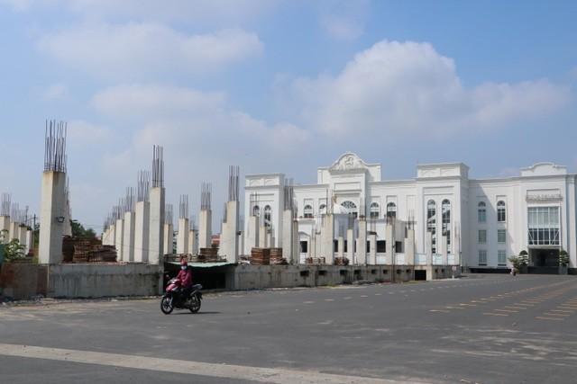 Dự án trung tâm thương mại, tổ chức hội nghị sự kiện xây dựng trái phép trên đường Đồng Khởi, phường Tân Tiến, TP Biên Hòa, Đồng Nai