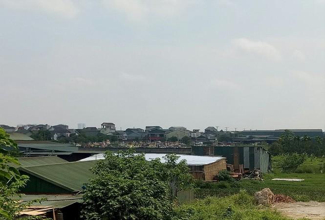 Nhà xưởng mọc tràn lan trên đất nông nghiệp tại huyện Đan Phượng
