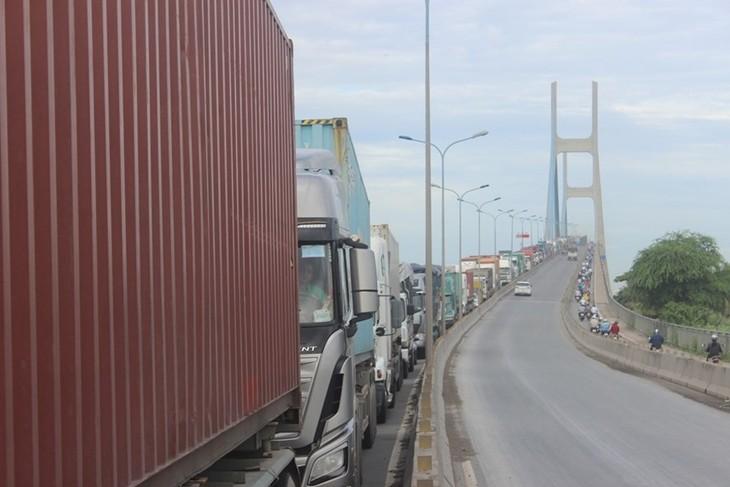 Hoàn thiện hệ thống đường Vành đai là giải pháp hữu hiệu giúp TPHCM thoát khỏi tình trạng kẹt xe.