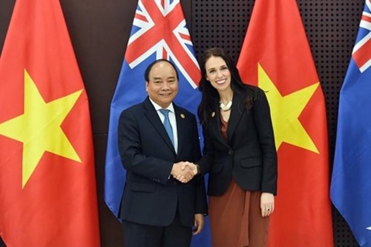 Thủ tướng Nguyễn Xuân Phúc và Thủ tướng New Zealand Jacinda Ardern tại Đà Nẵng. Ảnh: VGP.