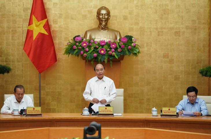 Thủ tướng Nguyễn Xuân Phúc yêu cầu tăng cường kiểm tra, xử lý các trường hợp nhập cảnh trái phép. Ảnh: VGP