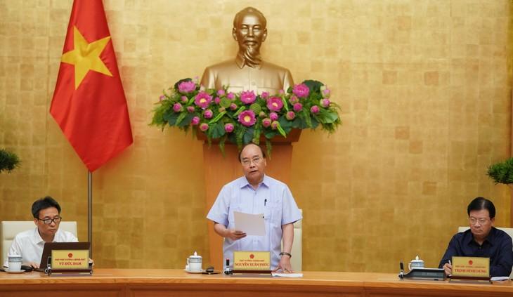 Thủ tướng Nguyễn Xuân Phúc chủ trì cuộc họp Thường trực Chính phủ về phòng chống dịch COVID-19 sáng 27/7/2020 - Ảnh: VGP