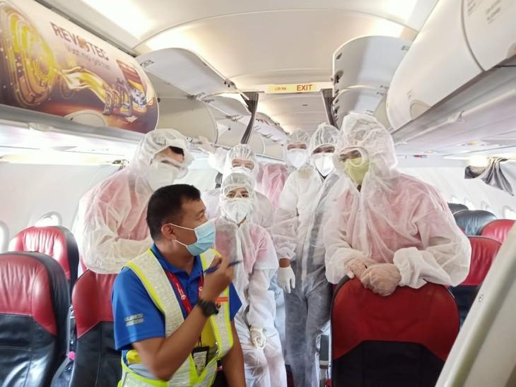 Tính tới cuối tháng 7, Vietjet đã đưa được gần 10.000 công dân Việt Nam về nước an toàn