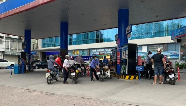 Giá xăng được dự báo giảm vào chu kỳ điều chỉnh ngày mai.