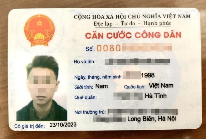Thẻ CCCD mã vạch đang được sử dụng. Ảnh: N.H.