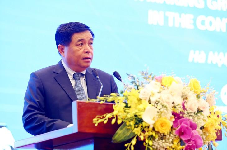 Bộ trưởng Bộ Kế hoạch và Đầu tư Nguyễn Chí Dũng phát biểu tại VRDF 2020. Ảnh: Lê TIên