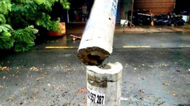 Bộ Xây dựng nêu nguyên nhân khiến cột điện gãy đổ hàng loạt