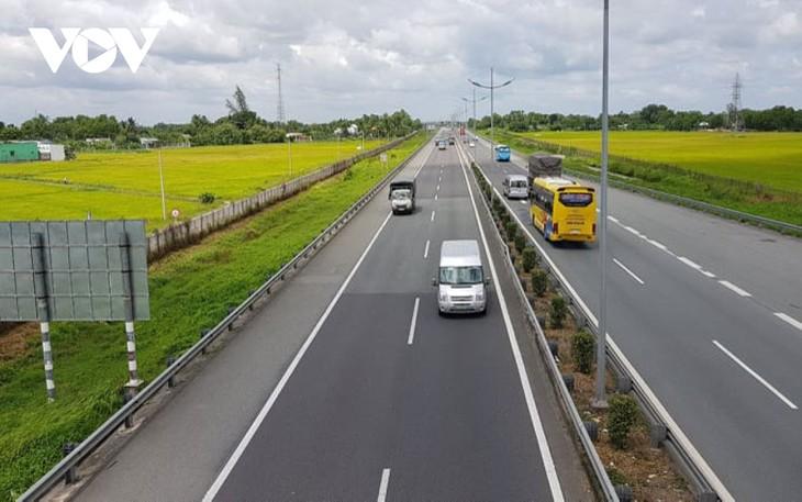 Trong tháng 10/2020 sẽ hạn chế phương tiện vào cao tốc TPHCM - Trung Lương để nâng cấp hệ thống chiếu sáng