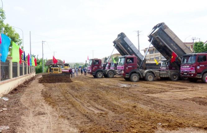 Đơn vị thi công triển khai xây dựng tuyến đường Lại Yên - Vân Canh (huyện Hoài Đức)