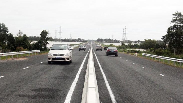 Thông xe kỹ thuật tuyến đường Lộ Tẻ - Rạch Sỏi. Nguồn Internet